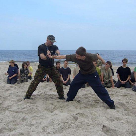 obóz wojskowy nad morzem