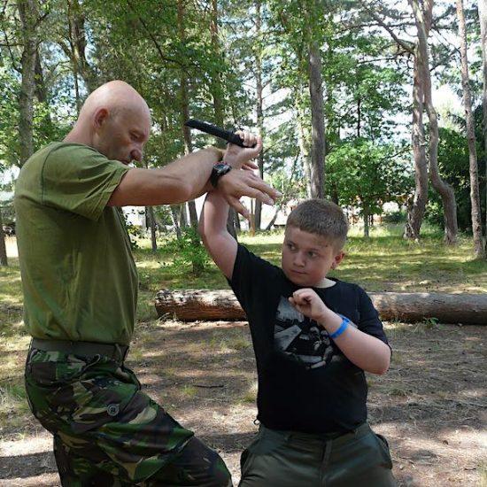 obóz wojskowy dla dzieci