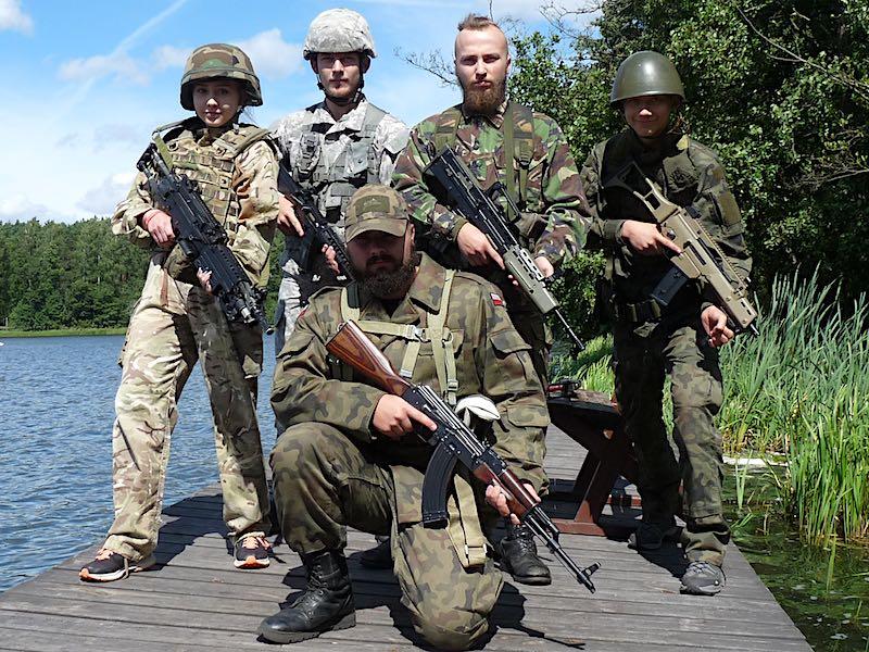 obóz militarny